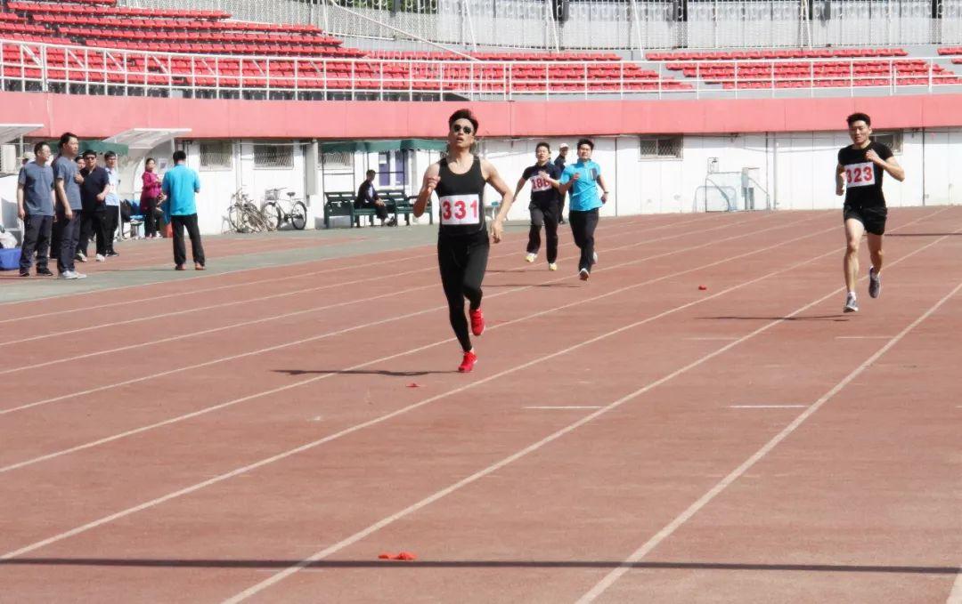 男子长跑1-2.jpg